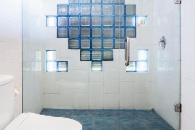 Roomy Modern Villa in Legian Beach a Peaceful Pool