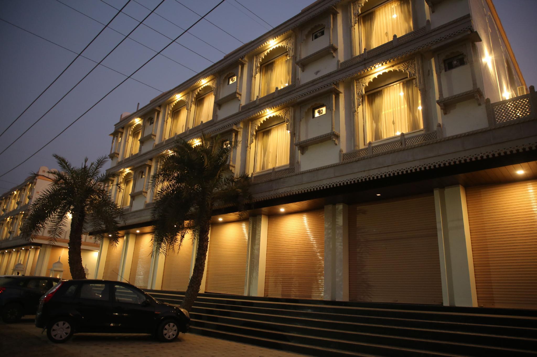 Hotel Neva Ji Palace