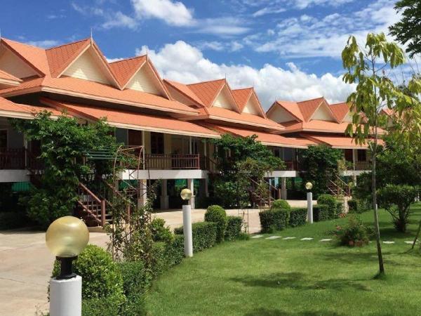 Maeping Mango Riverside Resort Kamphaengphet
