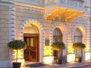 關於拉斐爾飯店 (Hotel Raffaello)