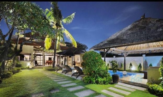 Villa Seminyak Center 4 bedroom close to the beach