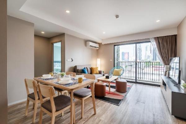 Sathorn BTS Surasak 2Bedroom Cozy&Pool&Gym Home Bangkok