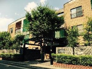 J Arashiyama