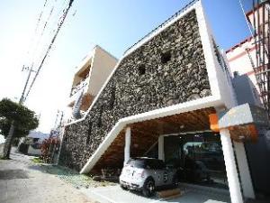 關於索貢達克旅館 (Sogondak House)