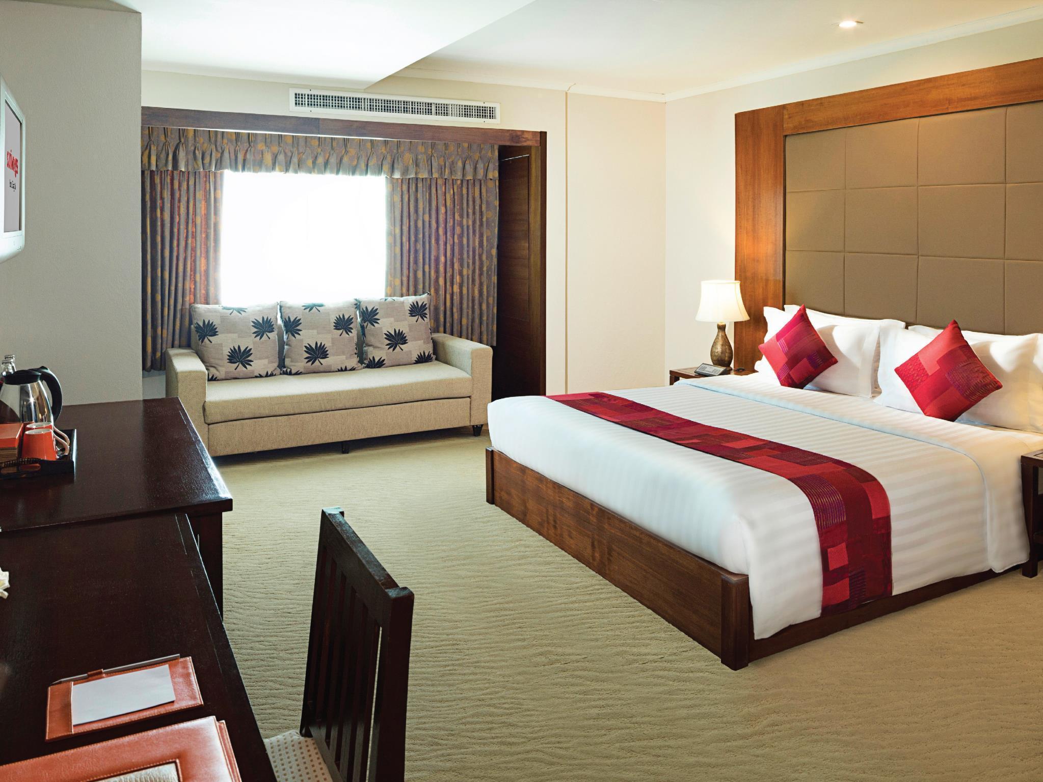 Movenpick Suriwongse Hotel โมเวนพิค สุริวงศ์ โฮเทล