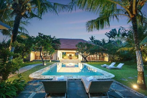 4BR Stunning Large Private Pool Villa.