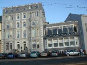 巴黎兹恩酒店 (The Parisienne Hotel)