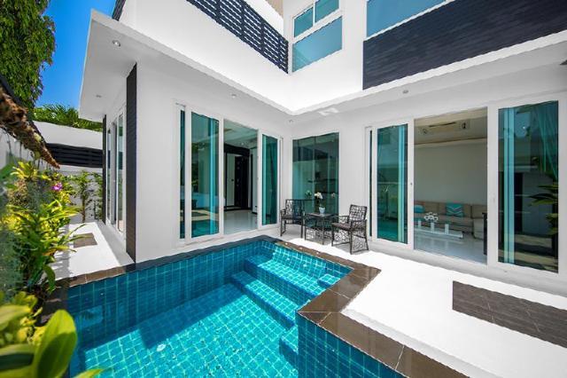 วีไอพี วิลลา พัทยา โคลิบรี พูล วิลลา – VIP Villas Pattaya Colibri Pool Villa