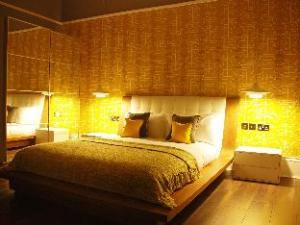 Ravilious Hotel