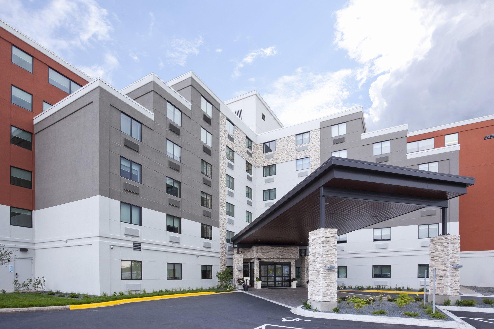 Holiday Inn Express Roseville St. Paul