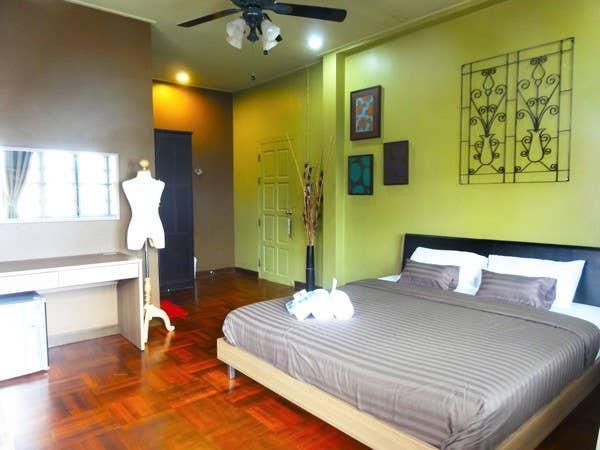 4 Bedrooms Garden House walk to the beach & SEA Hua Hin