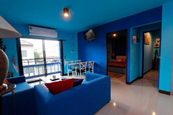Chez Pom (Blue Apartment) 2 Suites Available Chiang Mai