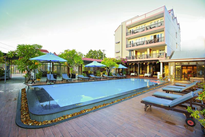Cococha Hostel And Pool Club