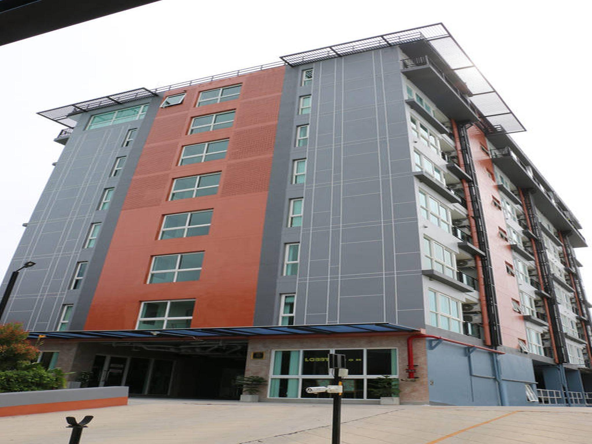 Me Residence & Me Condominium มี เรสซิเดนซ์ แอนด์ มี คอนโดมิเนี่ยม