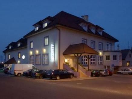 Hotel Tulipan Pruhonice