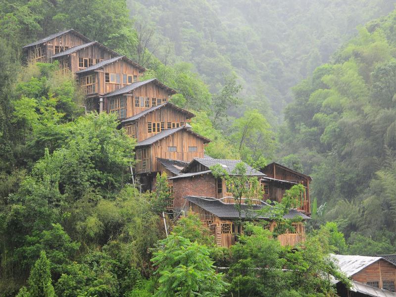 Zhangjiajie Wind And Wood Inn