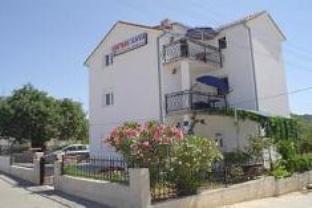 Apartments Slavica Trogir
