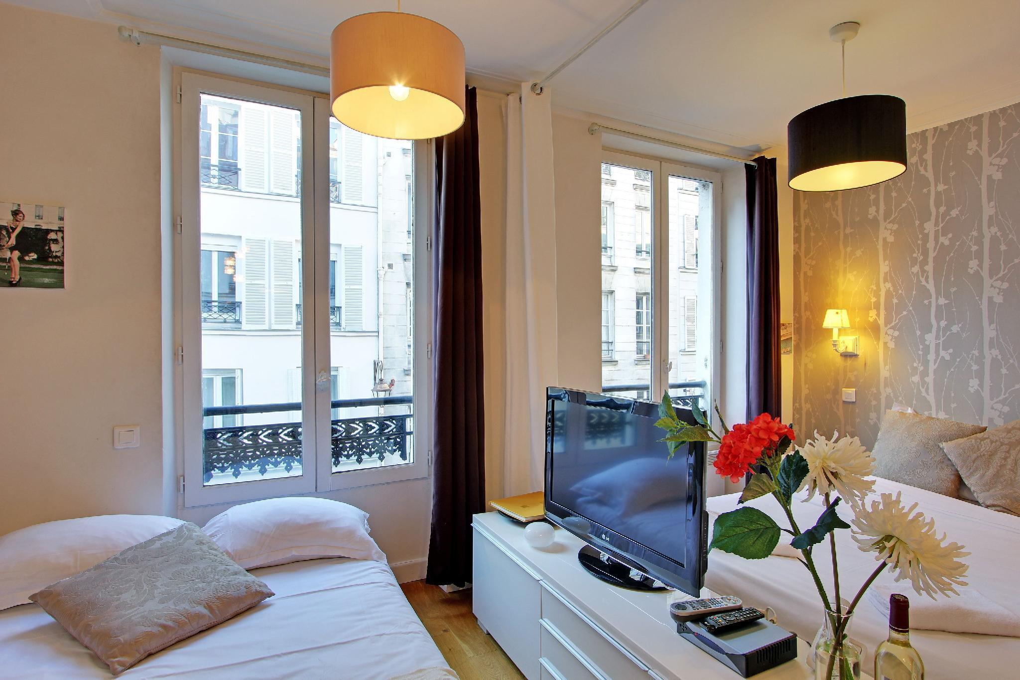 S03009 - Charming studio for 4 people, near République