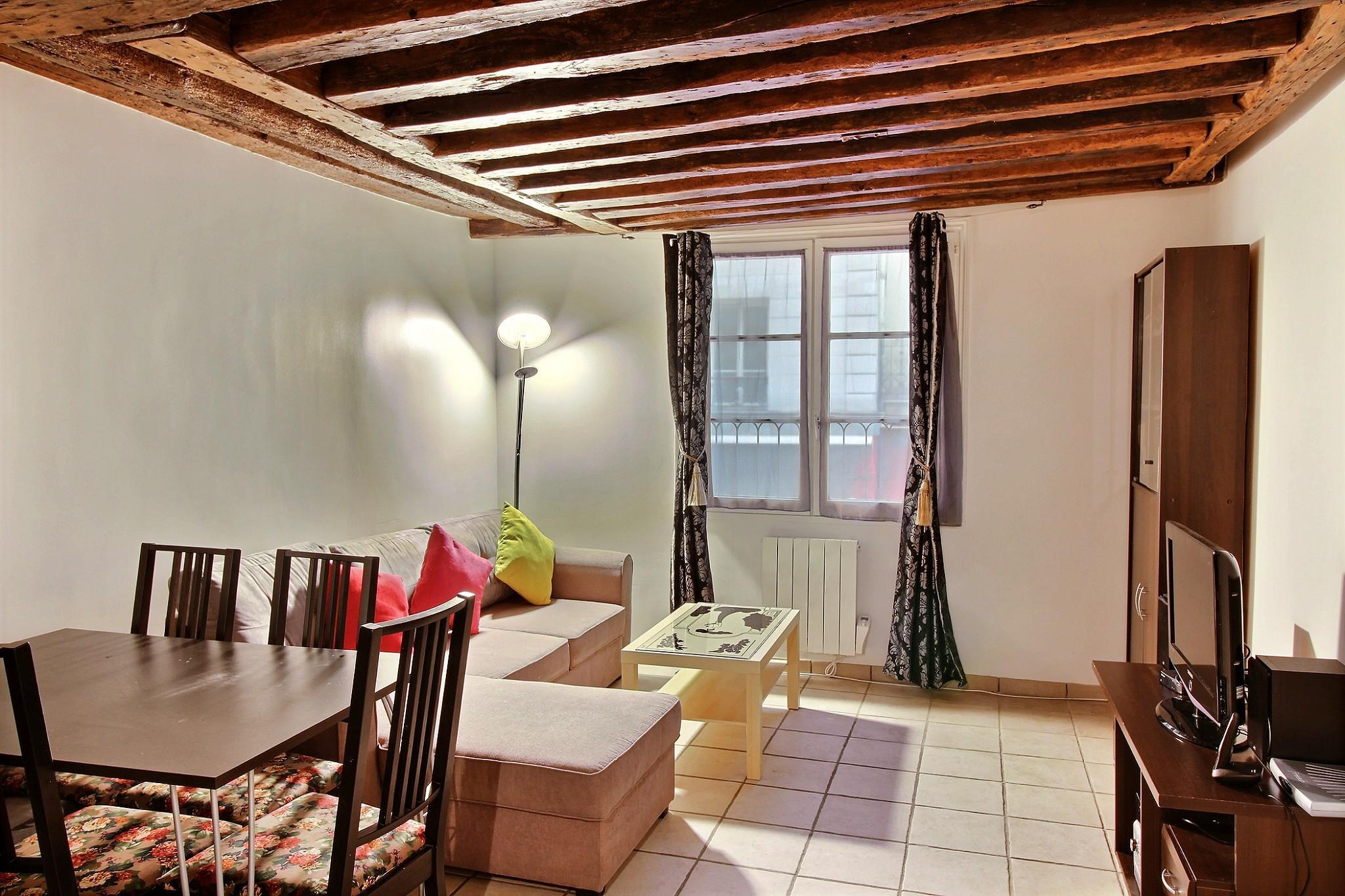 103232 - Comfortable apartment for 4 people near the Marais