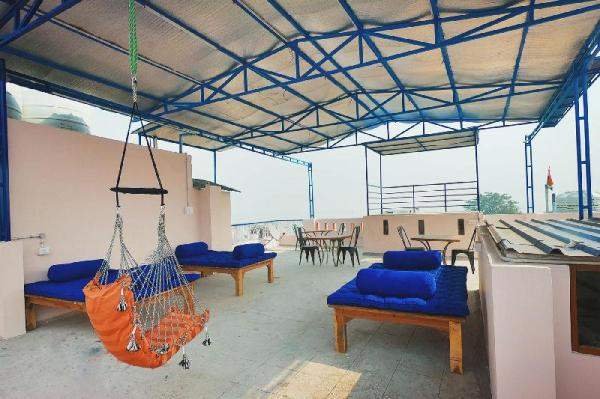 Live Free Hostel Varanasi