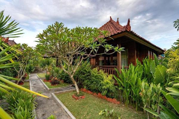 Karang Mas Villa (Superior Hut Garden View) Bali