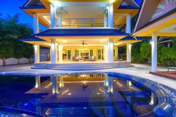 6 BDR Family Pool Villa Near Seafood Market Rawai Phuket