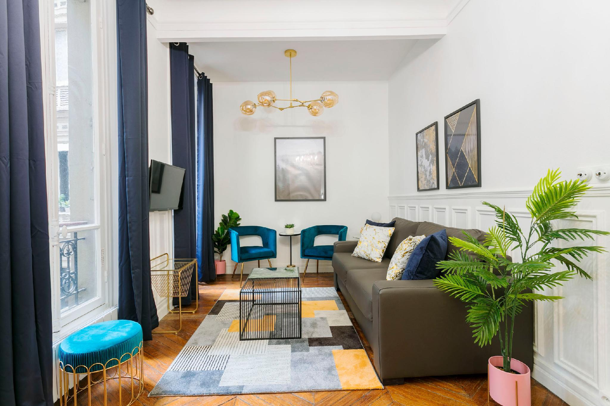 CALM AND COSY FLAT IN THE HEART OF LE MARAIS