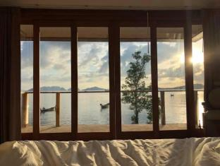SOL7 Waterfront Pool House - Koh Lanta