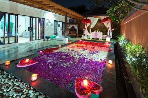 Romantic Villa 1 Bed Roomnin Kuta Central