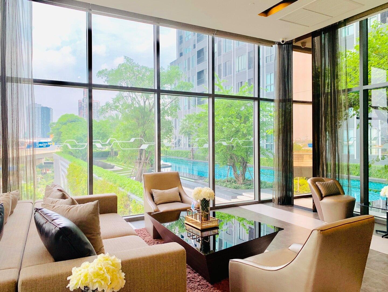 Luxurious 1BR Living IDEO Brand-New @ Bangna BTS
