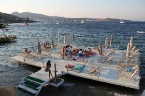 Golkoy Suites Hotel & Beach