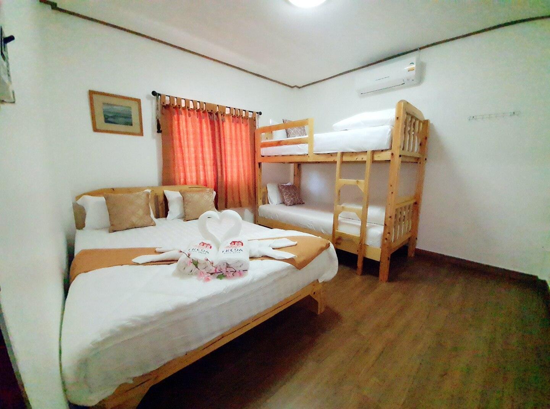 FREDA Poolvilla 4 ห้องนอน 6 ห้องน้ำส่วนตัว ขนาด 75 ตร.ม. – ชายหาดสัตหีบ