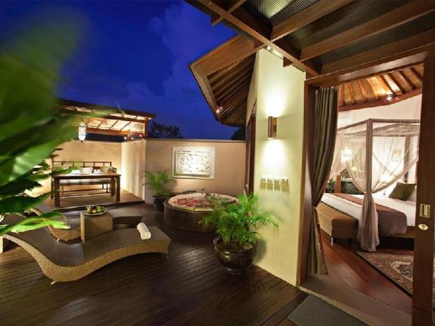 1BR Magnificent Villa with Jacuzzi+Bfast@Seminyak