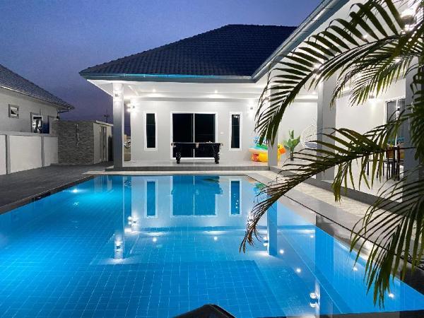Infinity pool Villa Hua Hin