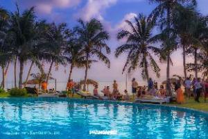 อินฟินิตี้ บีช คลับ โฮสเทล เกาะพะงัน (INFINITY Beach Club Hostel Koh Phangan)