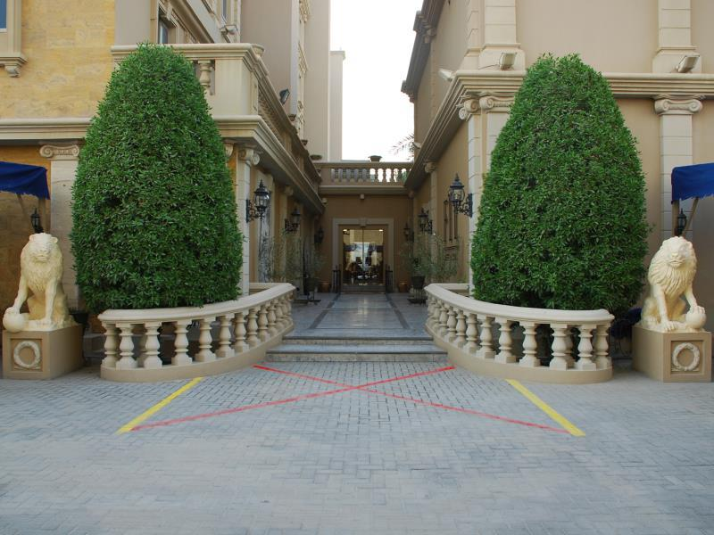 Riviera Palace Deluxe Suites And Spa
