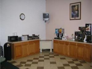 Vista Inn & Suites - Murfreesboro