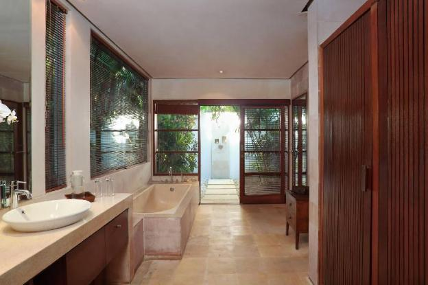 Three BR Villa with Private Pool + Brkfst@Seminyak