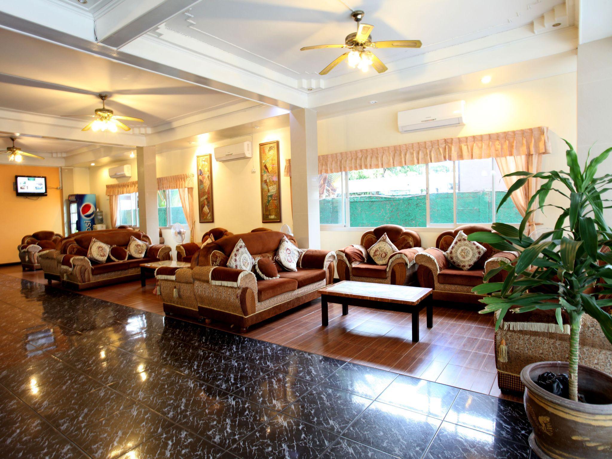 Home pattaya hotel โรงแรมโฮม พัทยา