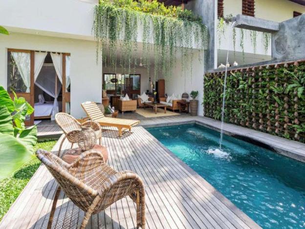 One-Bedroom Suite - Breakfast W/Garden View