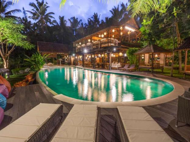 2 BR Stunning Villa with Private Pool - Breakfast + Pool View