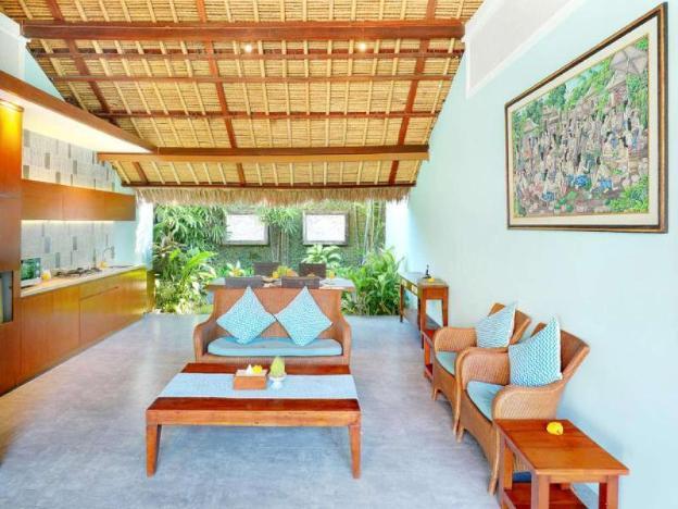 2 BR Duplex - Breakfast with view pool & Garden