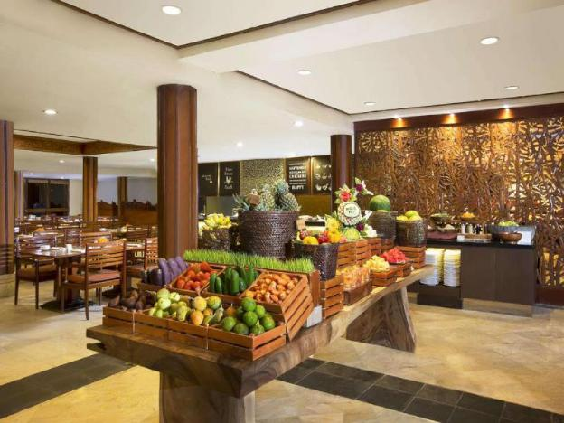 Strategic & Luxury Deluxe Terrace - Breakfast