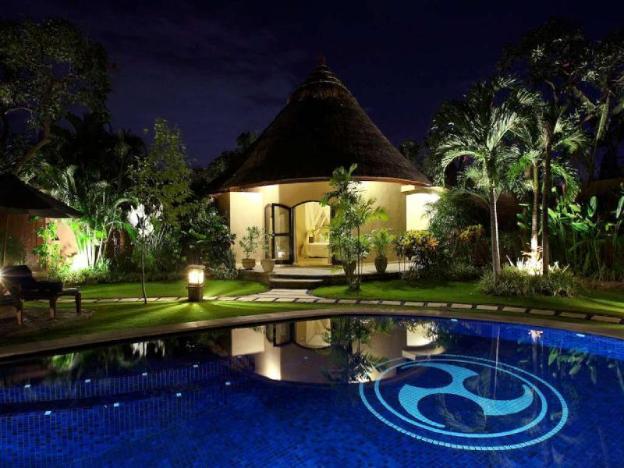1BR Stunning & Private Pool Villa+Bfast@Petitenget