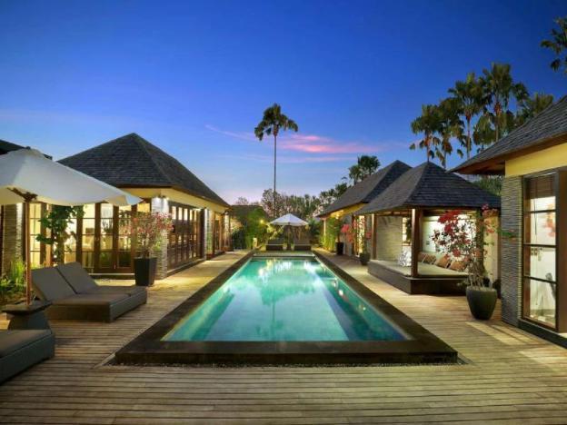 2 BR Paradise Pool Villa+American B'fast+seminyak