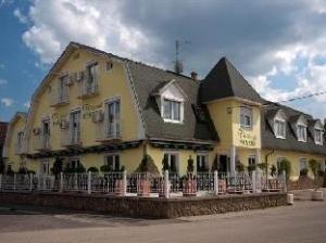 關於公寓飯店薩爾瓦爾飯店 (Apartment Hotel Sarvar)