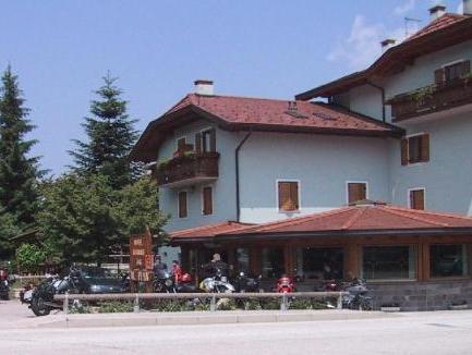 Al Pian Hotel