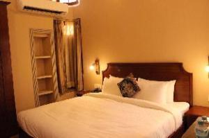 德弗纳迪酒店 (Devnadi Hotel)