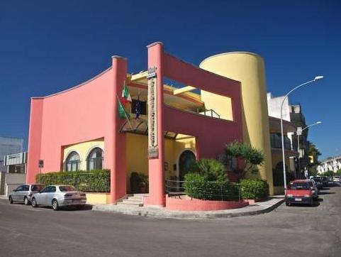 Lo Scacciapensieri Hotel And Restaurant