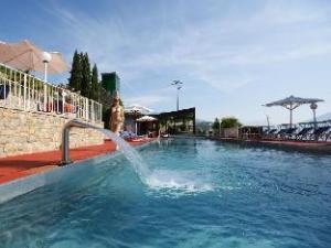 Piccola Italia Resort